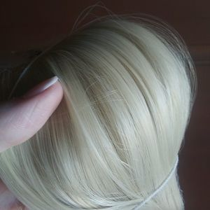 "24"" Halo blonde Hair extentions new"